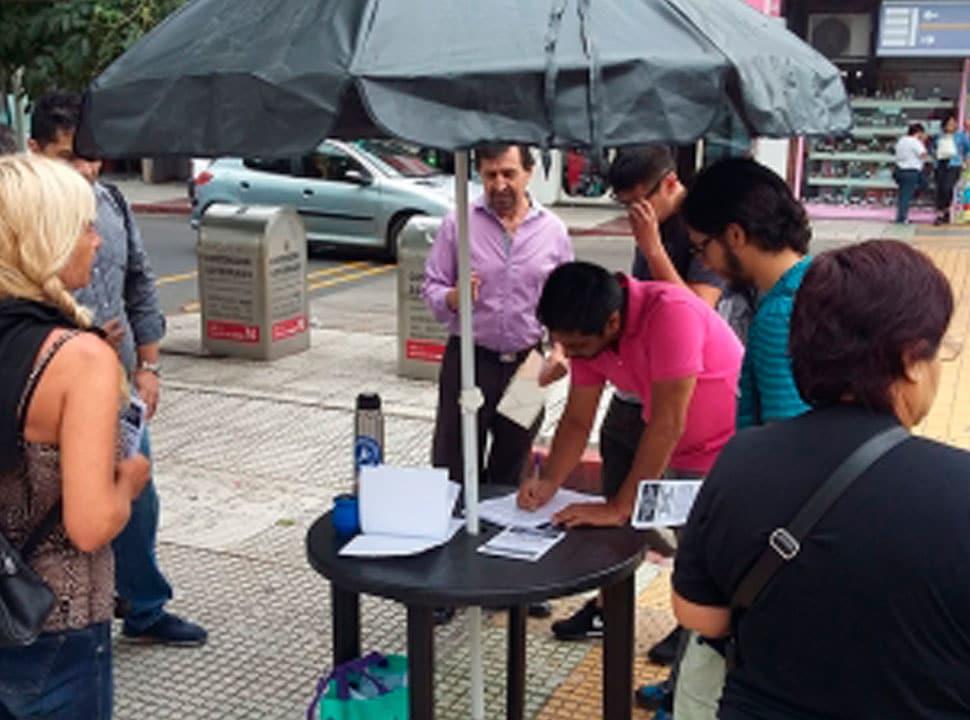 El Frente Renovador militó el fin de semana por la baja de las tasas municipales