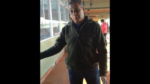 """Polémica por carteles de Maldonado en escuela de Ramos Mejía: """"Esto es propaganda"""""""
