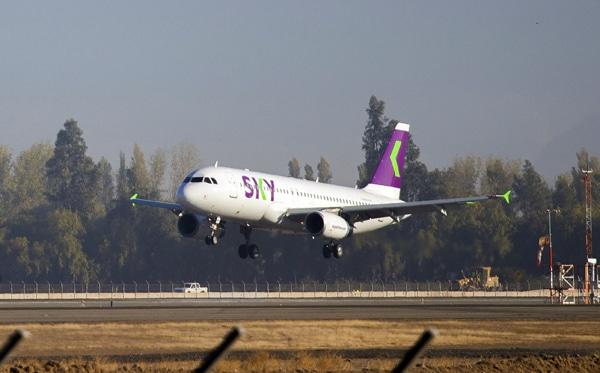 Aterriza otra empresa low cost en el cuestionado aeropuerto de El Palomar