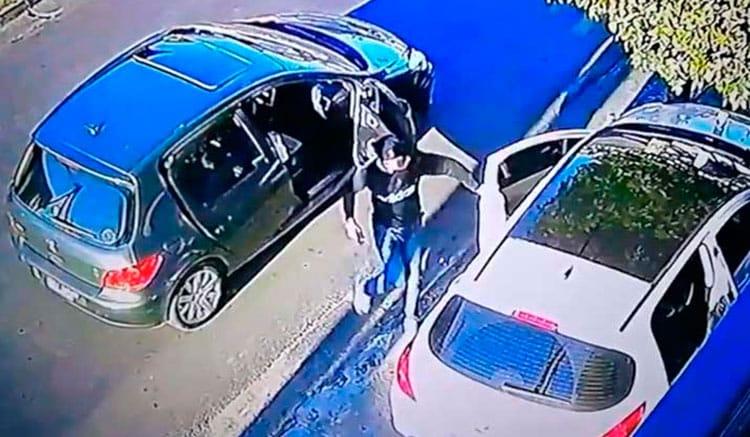 VIDEO: asaltaron a una familia en Villa Madero y amenazaron con lastimar a un nene