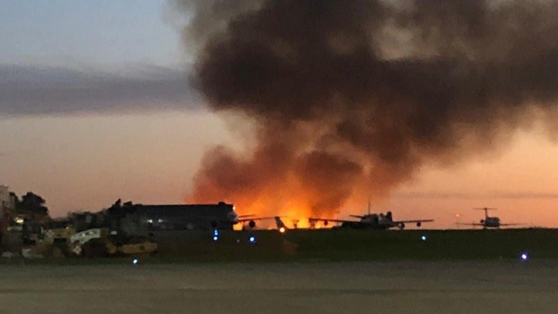 Fuego en el aeropuerto de El Palomar: se quemaron pastizales de la reserva lindante