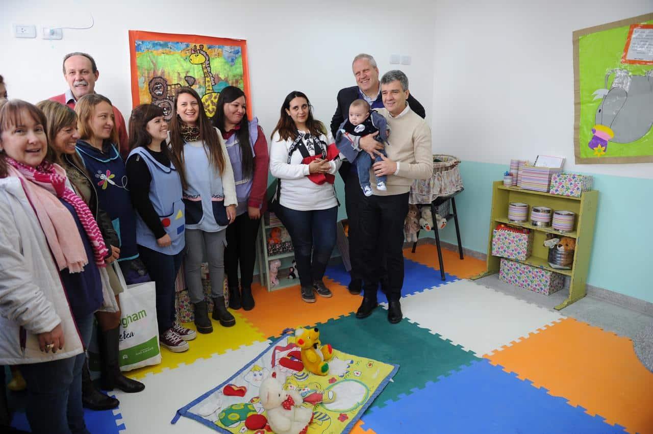 Zabaleta inauguró la primera sala maternal en una escuela de Hurlingham
