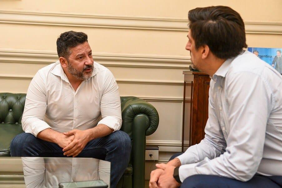 El intendente de Merlo Gustavo Menéndez y el ministro de Educación Nicolás Trotta