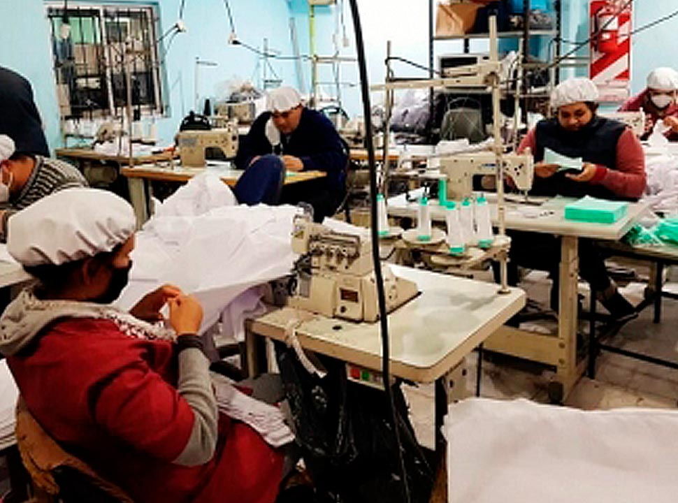 La Matanza: 8 textiles cooperativas volvieron al trabajo y producen 120 mil barbijos