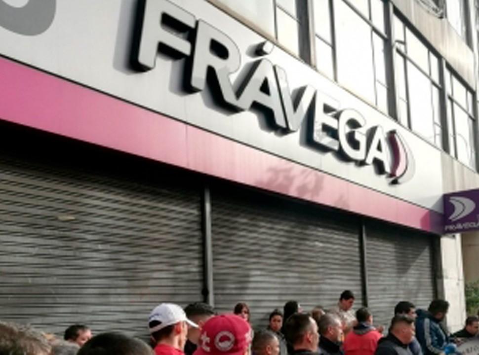 Zona oeste: el sindicato de comercio amenaza con llevar a Frávega a la justicia por el pago de salarios