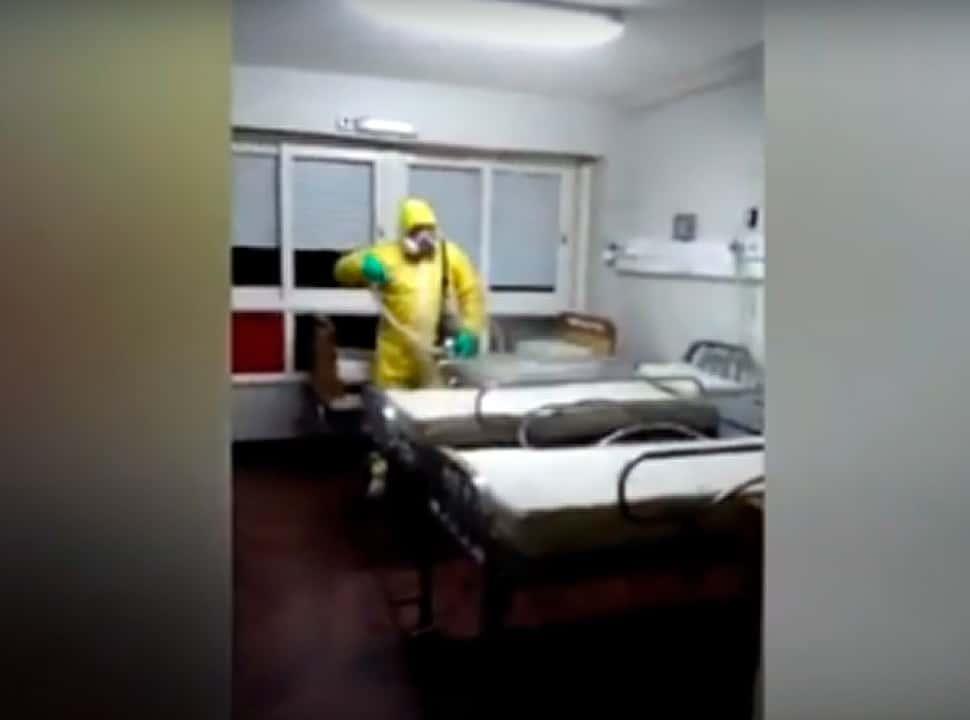 VIDEO   Así desinfectaron la Clínica Los Cedros de San Justo: ya reabrió sus puertas