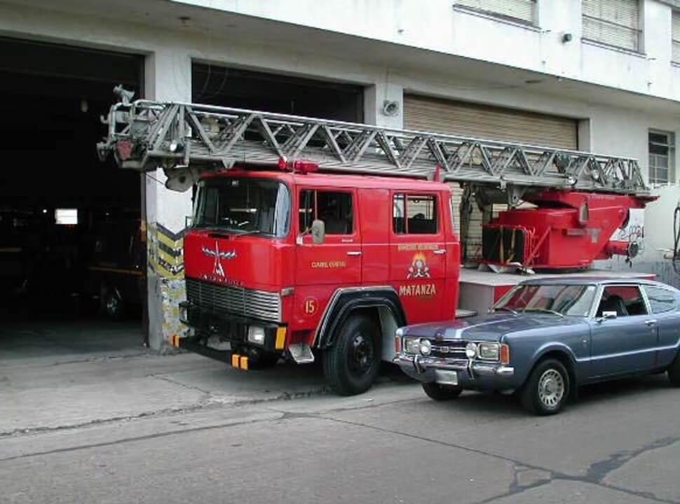 Bomberos de La Matanza: de ser el primer cuartel con escalera mecánica, a la trágica mañana del domingo