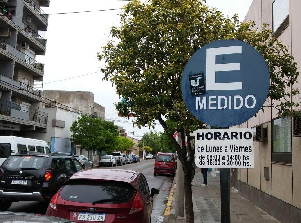 Estacionamiento medido en Tres de Febrero: las calles donde se cobrará tarifa