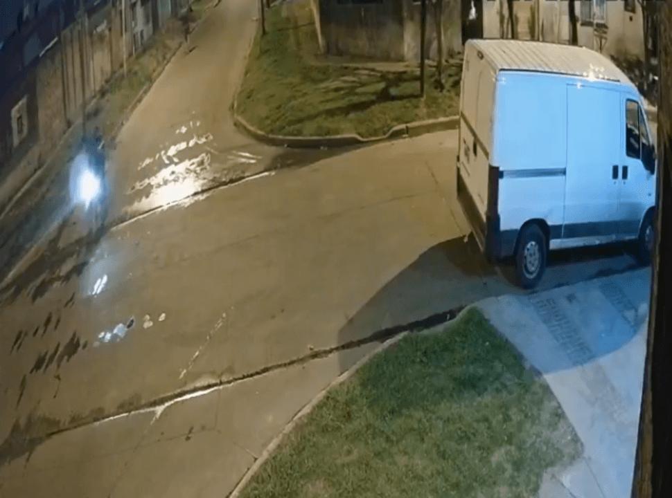 VIDEO | Casanova: doble robo en la cuadra donde golpearon a una embarazada y balearon a su mamá