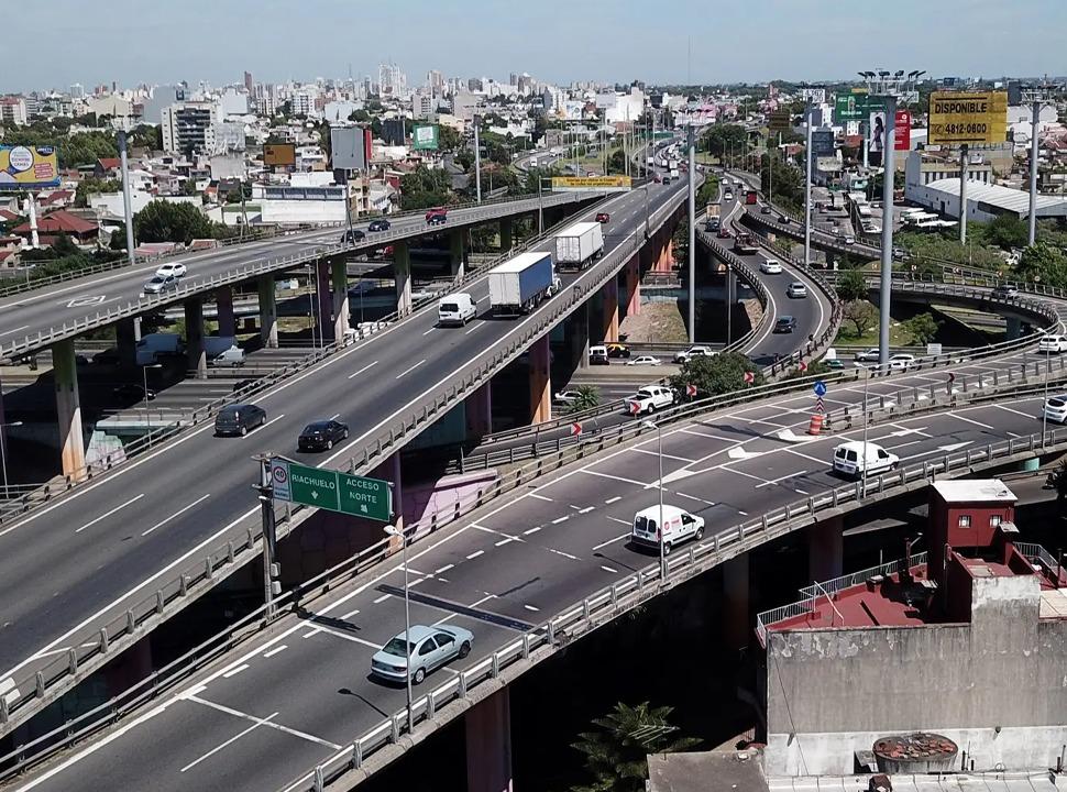 Desde hoy es obligatorio el Telepase en las autopistas: cómo obtenerlo y qué pasa si no lo tenés