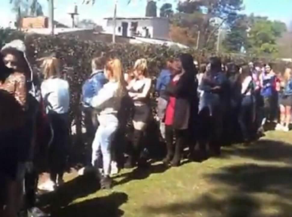 Fiesta clandestina en González Catán: 150 invitados, autos de alta gama y juego ilegal