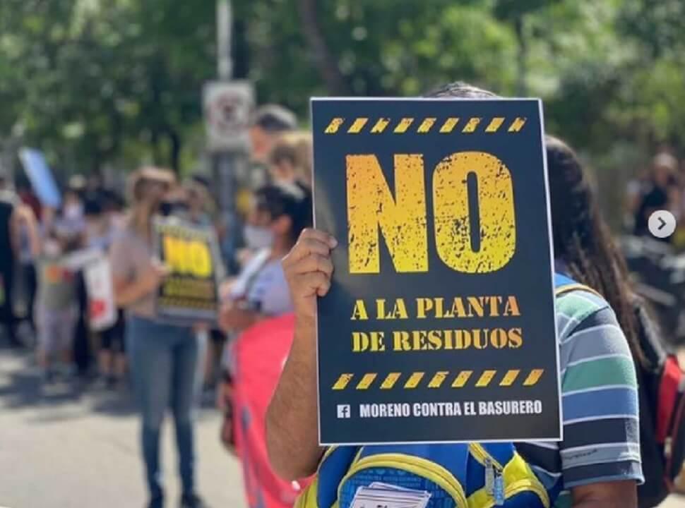 Vecinos de Moreno marcharon en rechazo a la nueva planta de transferencia de residuos