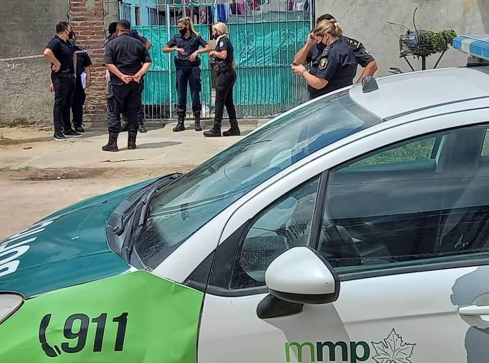 Femicidio en Marcos Paz: mató a su ex a puñaladas delante de sus hijos y se dio a la fuga