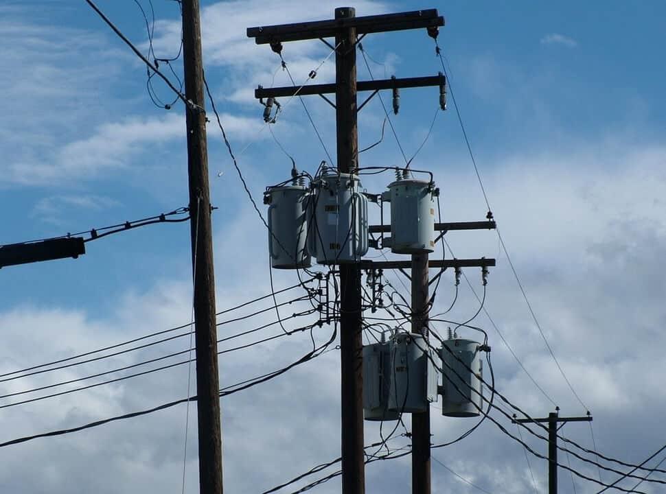 Edenor y Movistar se aliaron para hacer más eficiente el tendido eléctrico