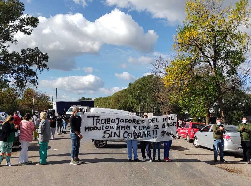 Moreno: enfermeros del UPA y el Hospital Modular denuncian que les deben cuatro meses de sueldo
