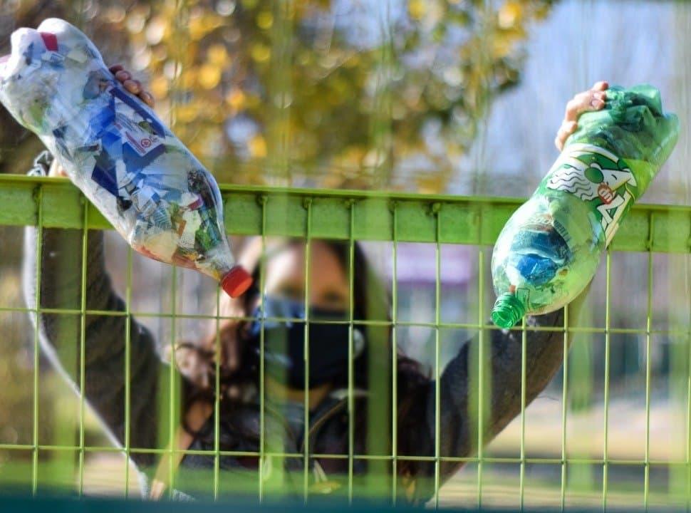 Ecobotellas: qué va en las botellas de amor