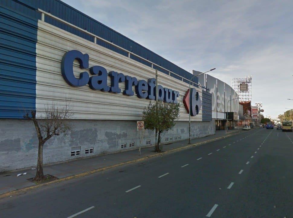 Cerró el Carrefour de Haedo y hay 60 trabajadores entre la reubicación y el retiro voluntario