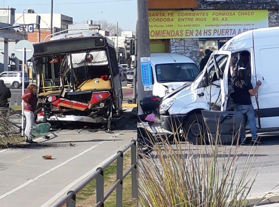 Brutal choque entre un colectivo y una camioneta, en el Metrobus de Morón