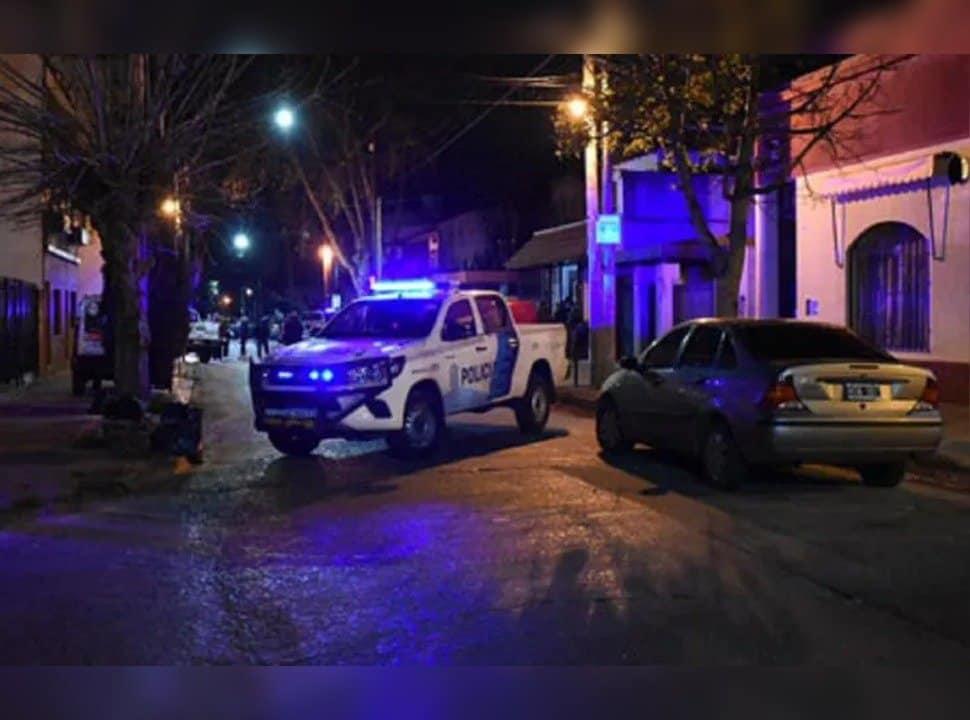 Sáenz Peña: creen que el hombre que se tiroteó con dos ladrones en su casa actuó en legítima defensa